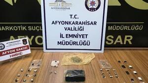 Sokak satıcılarına uyuşturucu operasyonu