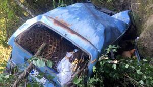Şarampole yuvarlanan minibüsteki 2 kişi yaralandı