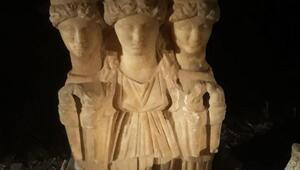 Bagajdan Roma dönemine ait kadın heykeli çıktı
