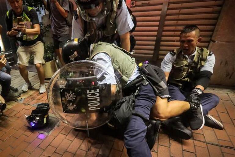 Hong Kong'daki protestolarda 6 gözaltı