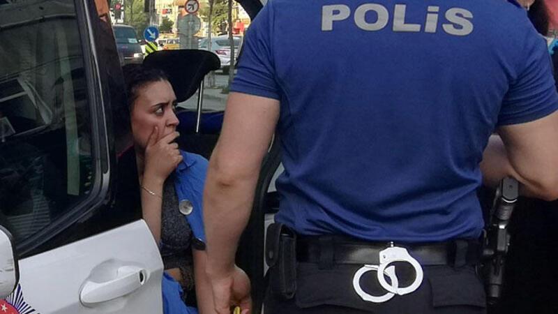 Kapkaça direnen kadın turist metrelerce sürüklendi